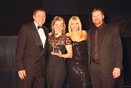 Petra collects the SLTN award